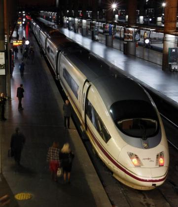 Imagen de archivo del AVE en Barcelona.
