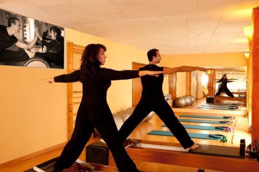 Las clases combinan un trabajo de concienciación corporal con la respiración.