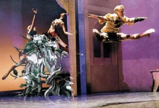 La compañía Pasodos baila 'El Principito' en el Auditórium de Palma.