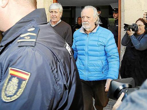 Cursach y Sbert se niegan a declarar y el juez Penalva les envía a prisión sin fianza.