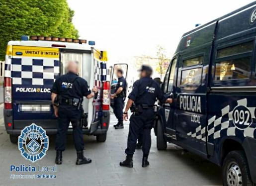 Imagen de archivo de diversas dotaciones de la Policía Local.