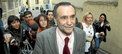 El exconseller Lluís Ramis d'Ayreflor declaró en la causa en el año 2010 y tuvo que pagar una fianza.
