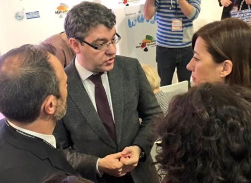 Encuentro de los representantes baleares con el ministro de Turismo.