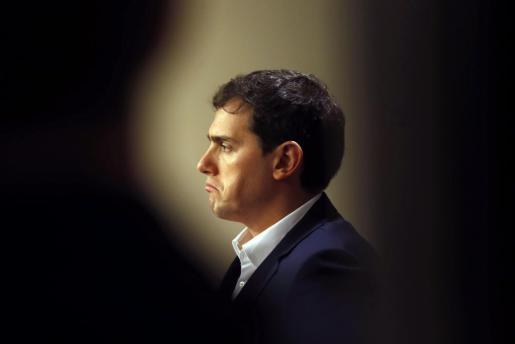 El lider de Ciudadanos, Albert Rivera, durante su comparecencia antes los medios tras la sesión de control al Gobierno.