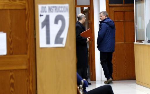 El exjefe de la Policía Local Antoni Vera en los juzgados de Palma.