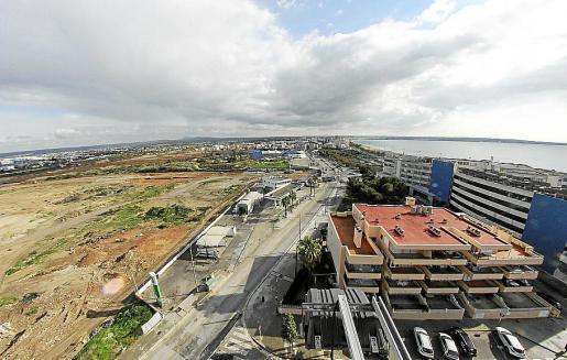 Imagen de los terrenos donde se proyecta el centro comercial.
