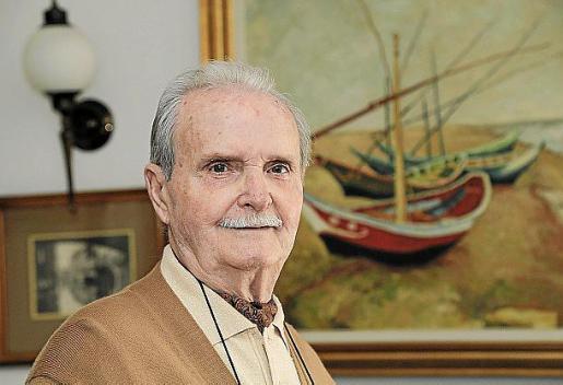 Antonio Hidalgo en su casa, en Palma.