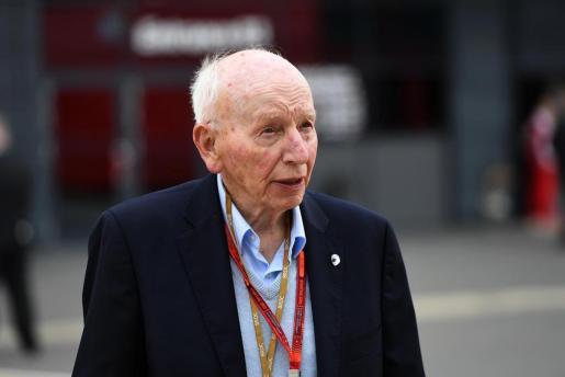 En la imagen, el campeón del mundo de Fórmula Uno y motos, John Surtees.