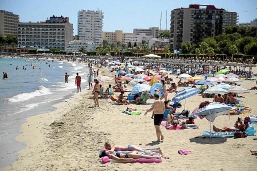 Los turistas británicos siguen apostando por Mallorca de acuerdo con los datos de reservas para la próxima temporada, aunque existe temor respecto de lo que pasará en el futuro, cuando se materialice la salida del Reino Unido de la UE.