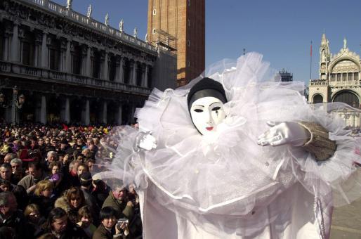 Durante los carnavales, Venecia es una ciudad enmascarada, misteriosa y mágica.