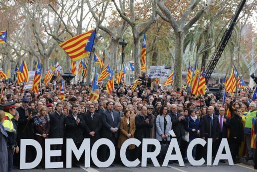 El alto tribunal recoge como los representantes públicos catalanes «alteraron en términos inaceptables el normal funcionamiento del Estado de derecho». Imagen del día de sus declaraciones ante el TSJC.