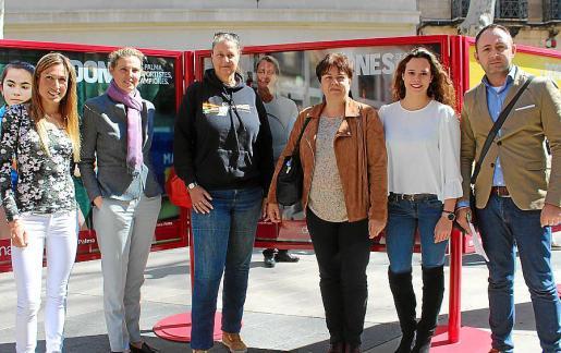 Mavi García, Patricia Conrado, Paulien Josephine Verbruggen, Susanna Moll, Marta Torrens y Sergio Rodríguez.