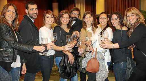Victoria Fernández, Federico Aranega, Lorena Fernández, Apolonia , Gerard Barril, Marta Mas, Marina Oliver, Cati Ordinas y Jenny Luca.