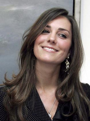 La prometida del príncipe Guillermo de Inglaterra, Kate Middleton, en una fotografía de archivo tomada el 3 de abril de 2007 en Dublín.