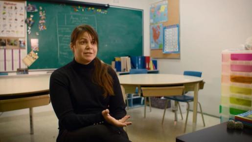 McDonell, explicando su proyecto educativo en el aula.