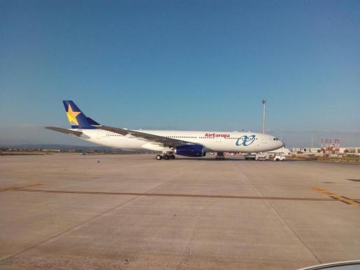 En concreto, la conexión entre la Península y las Islas Baleares se verá reforzada con 10 vuelos con más de 1.800 plazas entre Madrid y Palma.