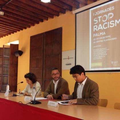 En la imagen, presentación de la primera sesión de las 'I Jornadas Stop Racismo'.