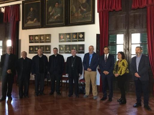En la imagen, reunión entre el Consell de Mallorca y el Obispado de Mallorca.