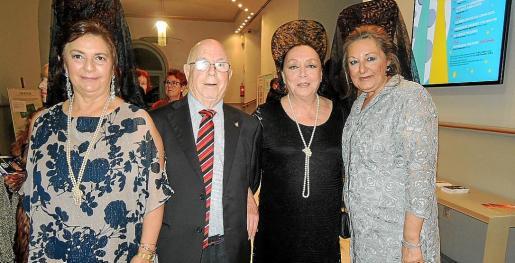 Pilar Vicario, Pedro Vicario, Betti Missiego y Magdalena Grúa.