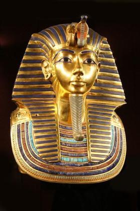 Famosa efigie funeraria de Tutankamon, nieto de la reina Tiye.