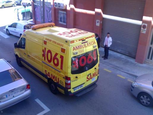 Imagen de archivo de una ambulancia del 061 en Palma.