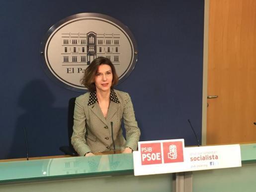 La portavoz adjunta del Grupo Parlamentario Socialista, Isabel Oliver.