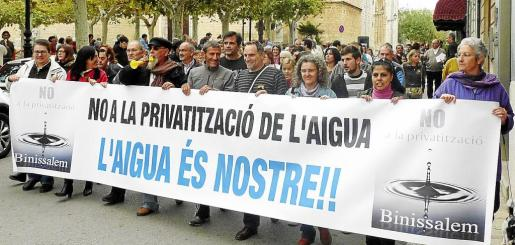 La privatización del suministro de agua provocó una gran polémica la legislatura pasada.