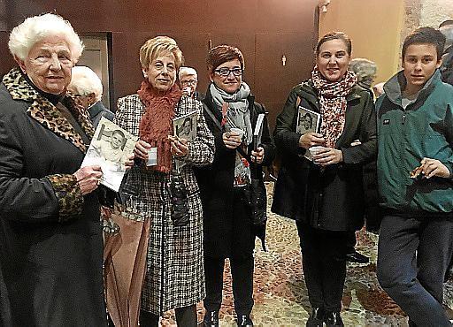 Jeanine Pol, Joana Morro, Maria Coll, Catalina Mir y Francesc Juan.