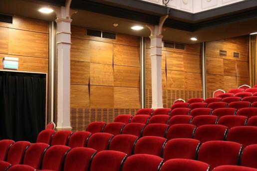 Los conciertos, el teatro, la danza o los toros son los sectores en los que descenderá el IVA.