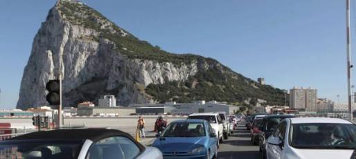 La Unión Europea no abordará la situación de Gibraltar durante las negociaciones de salida de Reino Unido y condicionará cualquier pacto posterior sobre su estatus al visto bueno de España.