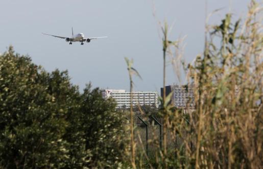 En todos los aeropuertos de la red de Aena se realizará un descuento del 75 por ciento en la tasa de pasajeros de salida en la primera temporada.