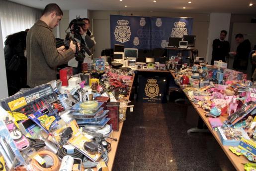 Más de 3.000 objetos han sido recuperados y, en breve, serán devueltos a sus propietarios.