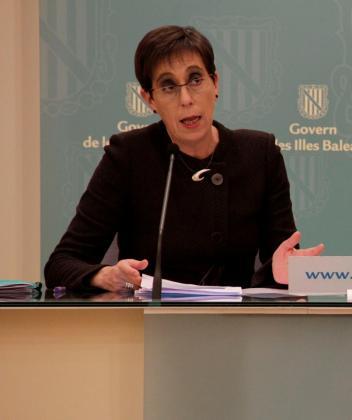 Joana Barceló compareció ante los medios para presentar el informe.