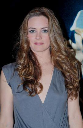 La actriz estadounidense Alicia Silverstone posa en El Cairo (Egipto).