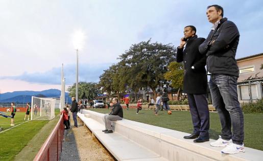 El consejero delegado, que en la imagen aparece junto a Javier Recio, director deportivo, en una reciente imagen.