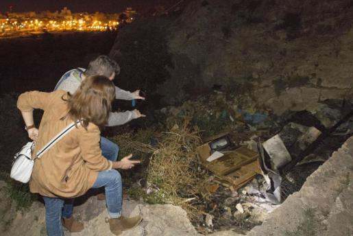 Imagen de la casa cueva en el paraje de La Molineta, donde fallecieron calcinados los tres jovenes.