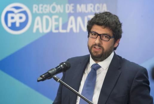 El diputado regional y vicesecretario de organización del Partido Popular en Murcia, Fernando López Miras, el candidato propuesto por el presidente de Murcia Pedro Antonio Sánchez, para sustituirle en el cargo tras su dimisión.
