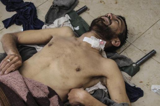 Algunas fuentes reportan que tras el ataque con gas, algunas instalaciones médicas que atendían a heridos también fueron bombardeadas.