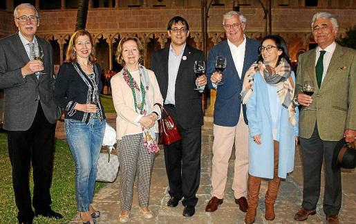 Pedro Comas, María José Frau, Carmen Sureda, Iago Negueruela, Josep Lluís Roses, Margalida Ferrando y Ramón Montis.