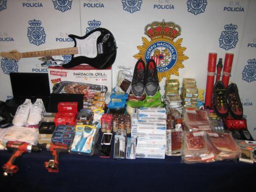 Algunos de los productos intervenidos por la Policía.