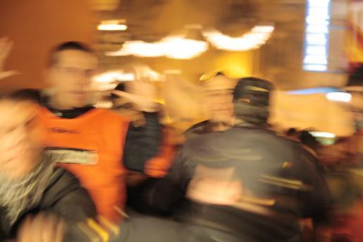 La manifestación independentista terminó con varios heridos al producirse algunos altercados violentos.