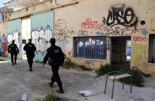 Un grupo de seis policías recorrieron el interior del presidio abandonado desde el año 2013.