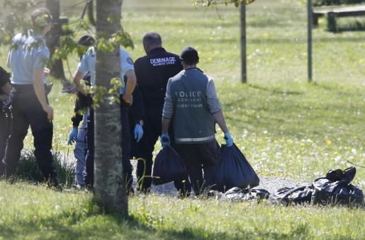 En los lugares facilitados por ETA habrá 172 observadores, que estarán presentes en los lugares para verificar la recogida de las armas por las autoridades francesas.