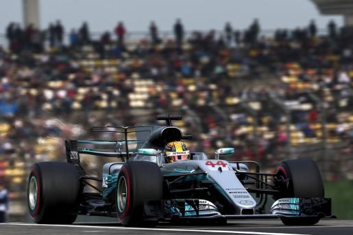 El inglés ha ganado, por quinta vez en su carrera, el Gran Premio de China, el segundo del Mundial 2017 de Fórmula Uno.
