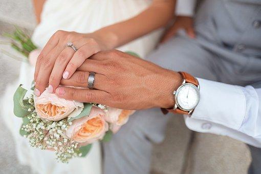 Los matrimonios por conveniencia no son un delito penal, siempre que no se constituya un delito.