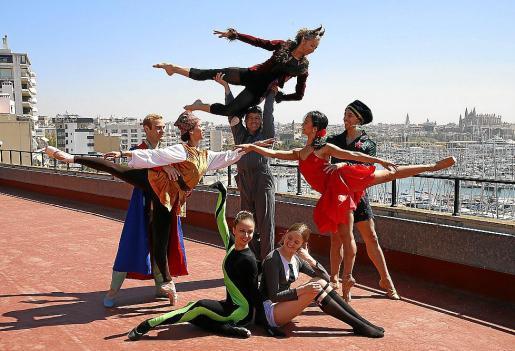 Algunos de los bailarines de 'El Principito', este miércoles, en el Auditòrium de Palma.