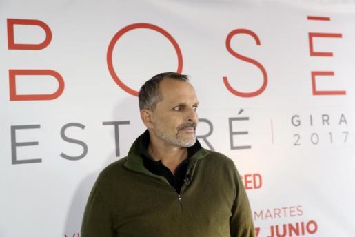 El cantante Miguel Bosé, durante una entrevista.