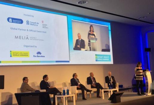 Según Armengol, el congreso es para Baleares «trascendente para compartir procedimientos y herramientas que hayan demostrado su utilidad, tanto para administraciones como para empresas».