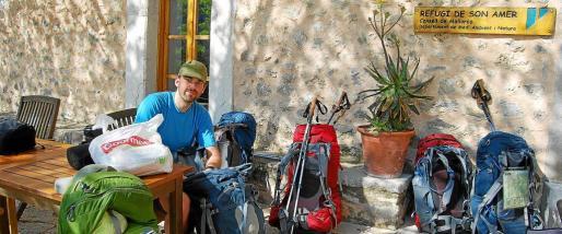 Son Amer se encuentra muy cerca de Lluc y tiene capacidad para alojar a 52 senderistas.