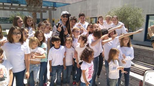 Jaume Mas protagoniza un videoclip para familiarizar a los niños con el hospital.